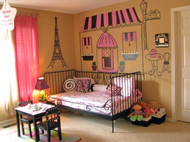 rms_parisian-eiffel-bedroom_s4x3_lg