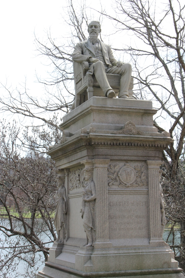 grave art mus founder